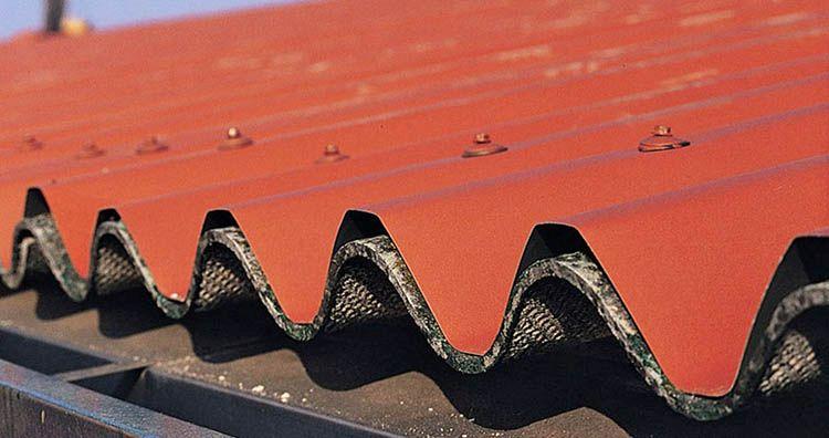 Confinamento (o sovracopertura) di un tetto in cemento amianto o eternit