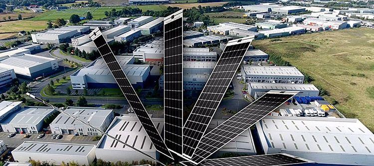Fotovoltaico per edifici commerciali: ecco i pannelli incollabili, leggeri e performanti