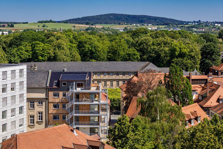 holzius firma Un progetto di bioedilizia in centro città a Bayreuth