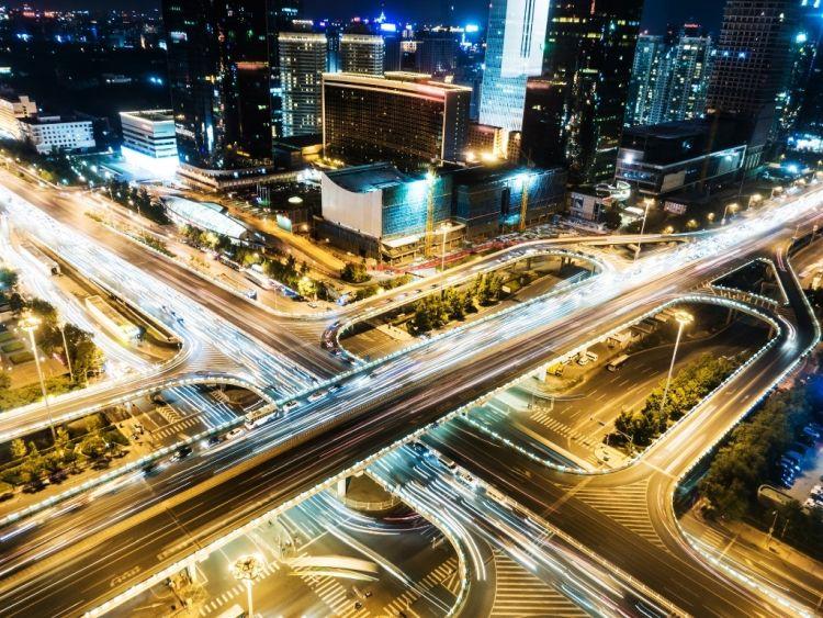 Decarbonizzazione città: Ridurre il traffico e rendere la mobilità più smart
