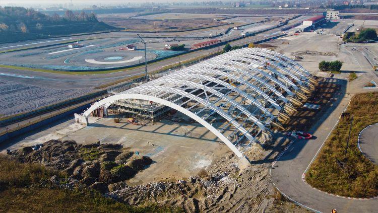 Fasi di costruzione del nuovo centro Porsche