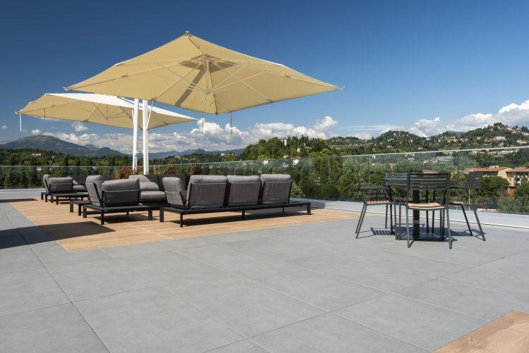 Il Rooftop Atmosfere di life Source a bergamo