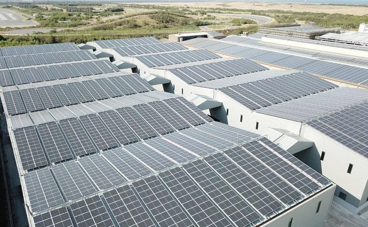 SolarEdge lancia Synergy, l'inverter per impianti fotovoltaici commerciali e industriali